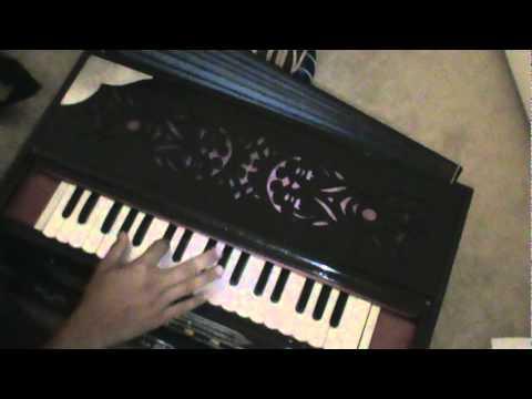 Learn how to Play - Ragupati Raghav Raja Ram - on Harmonium