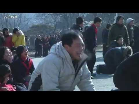 Pyongyanties cries after message about Kim Jong Il dead