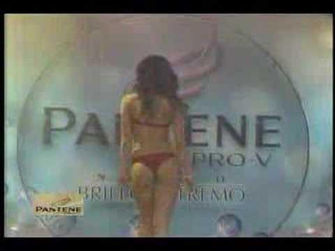 Melissa Loza - Bikini Rojo