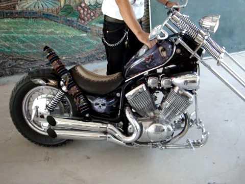 MOTOCICLETA YAMAHA TIPO VIRAGO 535 cc MODIFICADA 1998