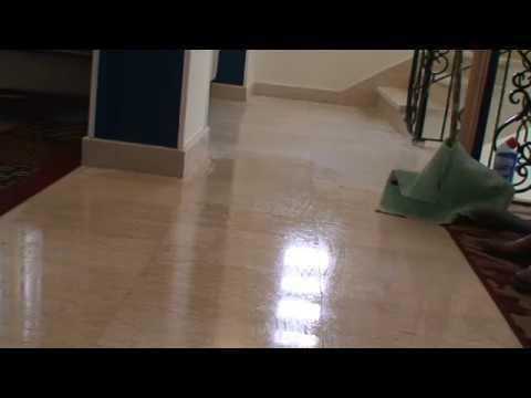 بالفيديو : ثلاث خطوات لتنظيف الأرضيات وتعقيمها بواسطة الخل