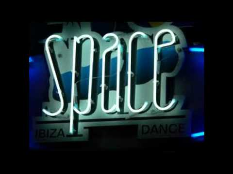Wally Lopez   @ Space Ibiza   29 06 2011