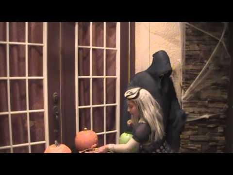 Funniest Halloween Pranks Ever!! -9hseZJvh_wI
