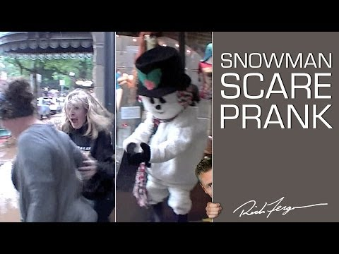 Scare Prank: Snowman Holiday Shopping Fun