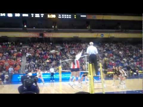 2011 NCAA DI Women's Volleyball Semifinal Match Point - Illinois/USC