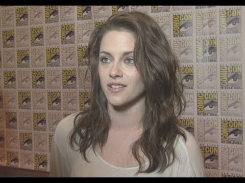 Twilight: Breaking Dawn Comic Con 2011 Panel Footage and Interviews (HD)
