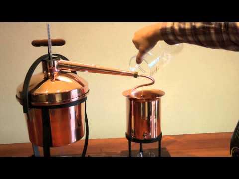 Alambicco: esempio di distillazione domestica - Copper alembic still