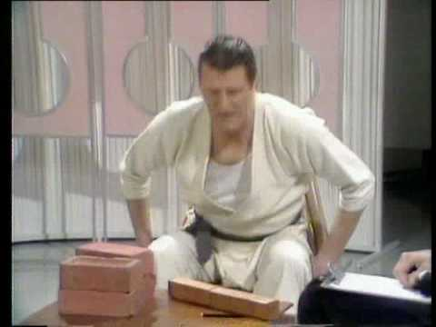 Tommy Cooper-s karate class