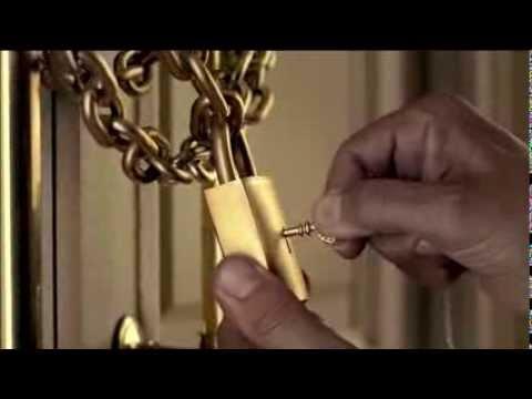 """Antonio Banderas """"The Golden Secret"""" Fragrances Ad"""