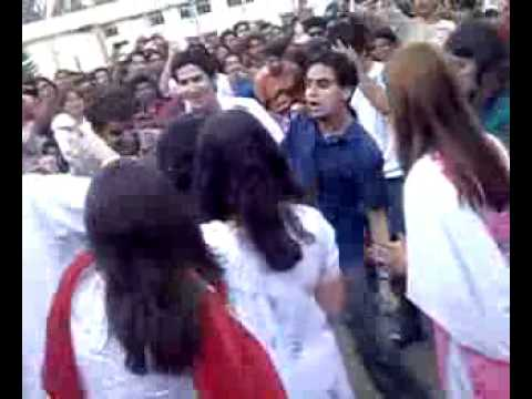 Girls dance Nishtar Medical Collage Multan