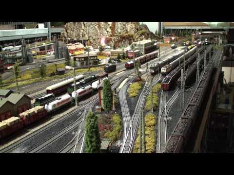 Märklin Modelleisenbahn Marklin Layout: 3 E - Loks, 2 Diesel