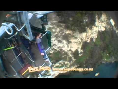 Bungy Jumping - Lake Taupo