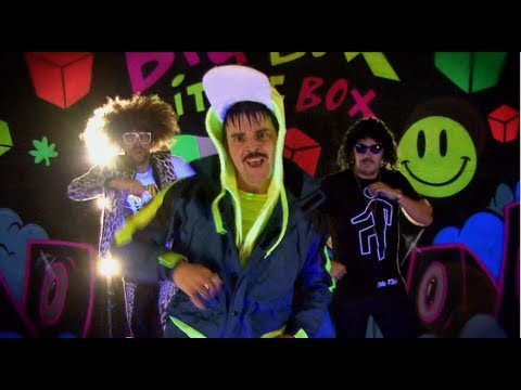 Big Box Little Box by Damo & Ivor (Official Video)
