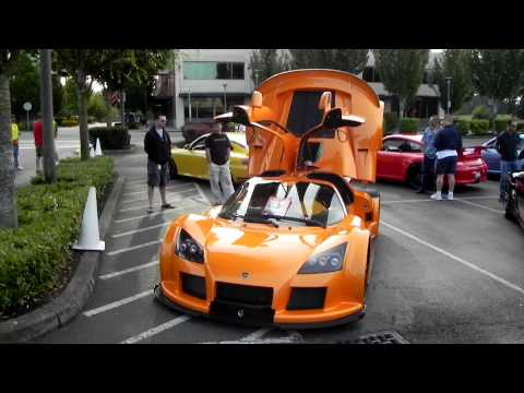Bright orange GUMPERT APOLLO race car !!