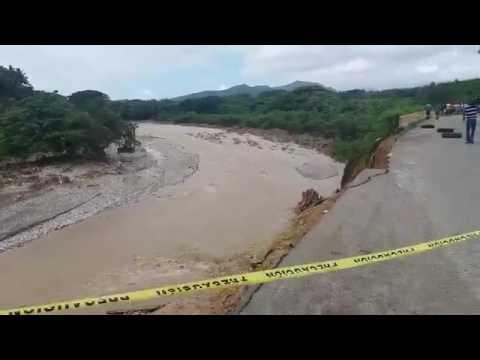 El Ministerio de Obras Públicas dispuso este domingo el cierre provisional del paso que da acceso a la provincia San Cristóbal, por la autopista 6 de Noviembre como medida preventiva por los daños ocasionados por las lluvias.