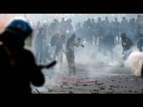 Les casseurs s-invitent parmi les indignés à Rome