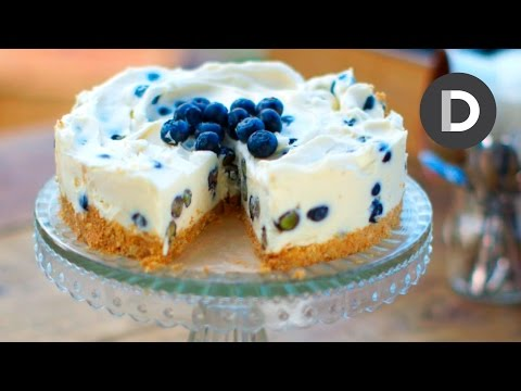 How to make Blueberry and White Chocolate Cheesecake!