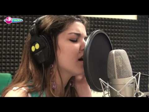 Celeste Buckingham - Run run run (live@Fun radio)