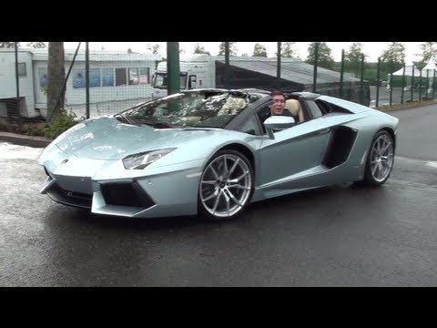Lamborghini Aventador Roadster: How to put the roof back on?
