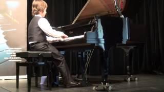 Michał Szczepański z klasy II otrzymał wyróżnienia I stopnia na III Warszawskim Konkursie Pianistycznym