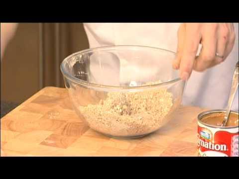 Phil Vickery creates the perfect Caramel Apple Crumble