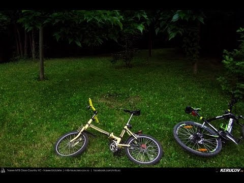 VIDEOCLIP Plimbare cu bicicleta - Case colorate, blocuri gri