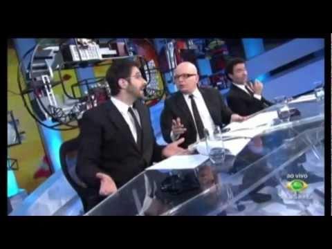 CQC  Top Five Brasil 27 06 11 - Apresentadora do Jornal Acritica na Tv  - CAI AO VIVO - MANAUS