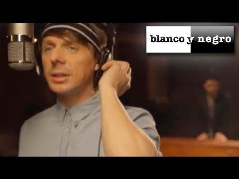 Martin Solveig - The Night Out (Official Video)