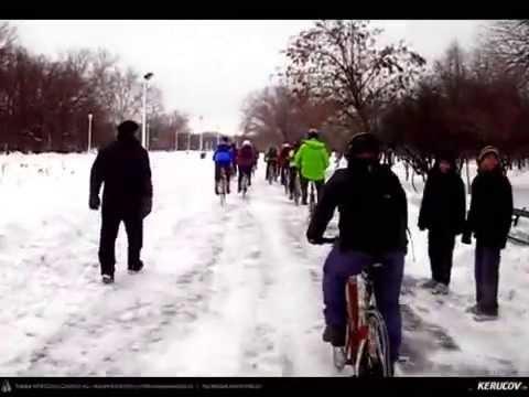 VIDEOCLIP Masa Critica Bucuresti / biciclete pe zapada