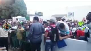 DESESPERO: CENTENAS DE PESSOAS INVADEM PR�DIO DO SINE NA CAPITAL
