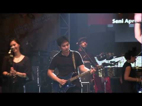 Maliq & D'essentials - Untitled ~ Menari @ Rolling Stone Cafe [HD]