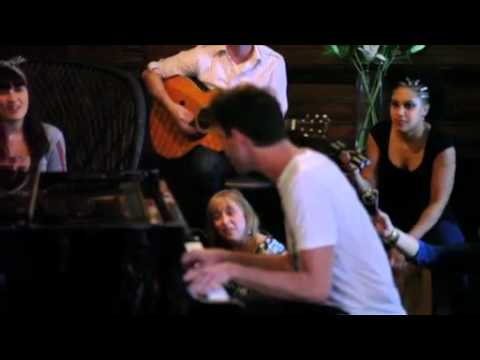 Mika Happy Ending Acoustic LIVE