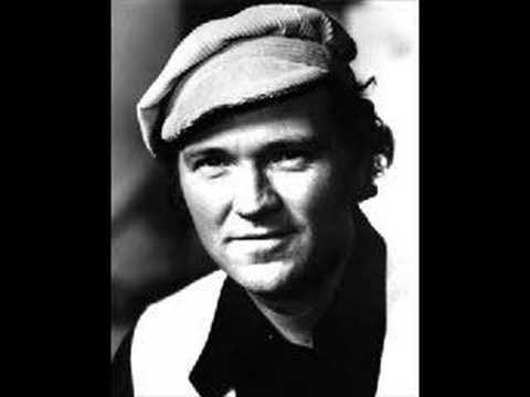 Liam Clancy - The Sash My Father Wore