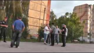 В Житомире хулиган с ножом набросился на мужчину