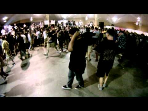 Death Threat @ Sound and Fury 2011 (POV mosher gets moshed)