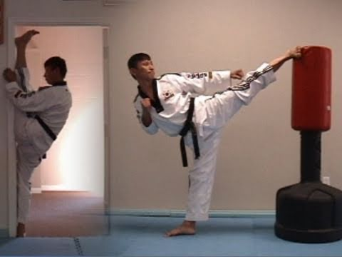 Taekwondo Stretching Exercise 4 (taekwonwoo)