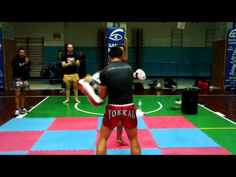 Muay Thai Combat TV ep. 7: Saenchai Seminar in Italy with Tham Sityodtong by Stefania Picelli