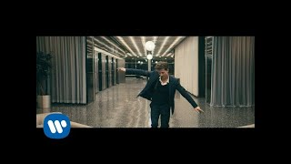"Charlie Puth - \""How Long\\\"" Official Video]"
