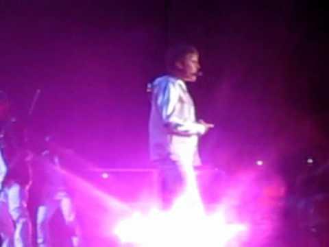 Justin Bieber-Bigger (Live @ SICC-Indonesia).wmv