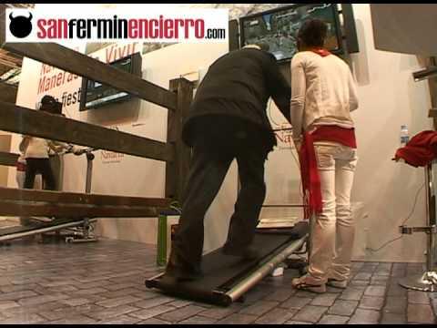 Carrera de un señor de 80 años en el simulador virtual del encierro de SANFERMINENCIERRO.COM