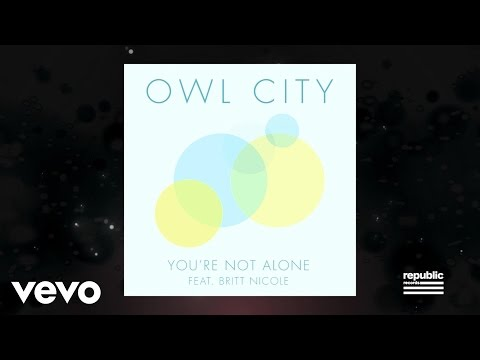 You're Not Alone (Video Lirik) [Feat. Britt Nicole]