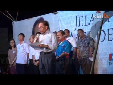 Thousands throng Anwar ceramah in Malacca