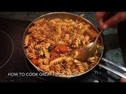 Easy Ground Beef Tomato Pasta Recipe - Meat sauce