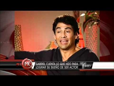 Gabriel Porras as Gonzalo in LA CASA DE AL LADO