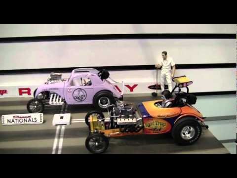 GMP 1/18 Drag Racing Diorama Adds Life to Diecast Collectibles