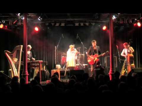 Luz Amoi - Sie is ois - Mitschnitt Lindenkeller 2010