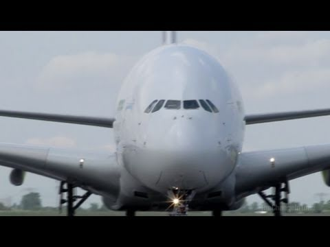 Airbus A380 - Giant of the Sky up close