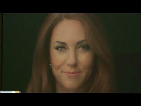 Critics eye first royal portrait of Kate