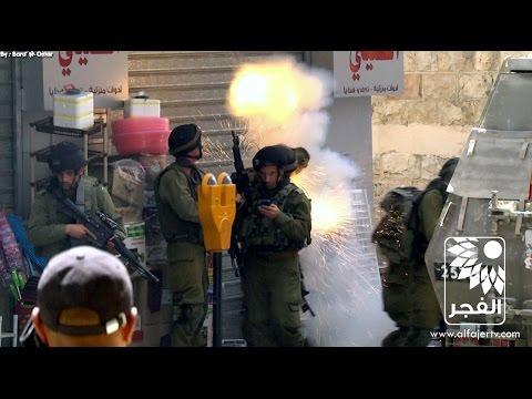 فيديو: شاهد لحظة إنفجار قنبلة صوت في يد احد الجنود في طولكرم