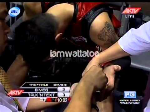 Game 5: PBA FINALS TNT VS BMEG | Marc Pingris Dislocates His Ring Finger